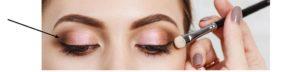 oogschaduw 300x72 - Make-up tips voor brillendragers